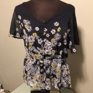 Lauren Conrad short sleeve blouse